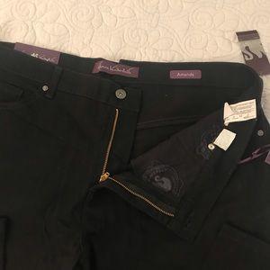 NWT Black Gloria Vanderbilt slimming jeans 16W